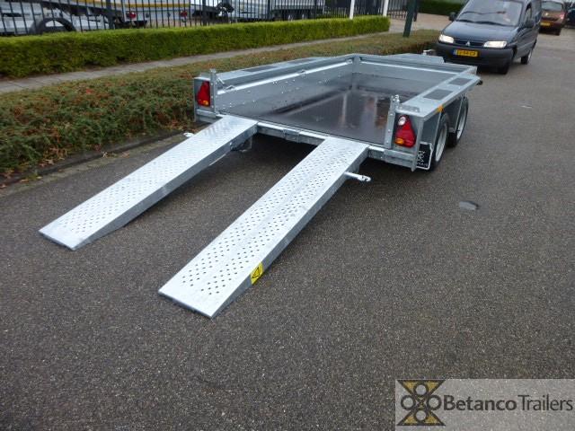 Ifor-Williams machine transporter - GX 105 HD   303 x 157