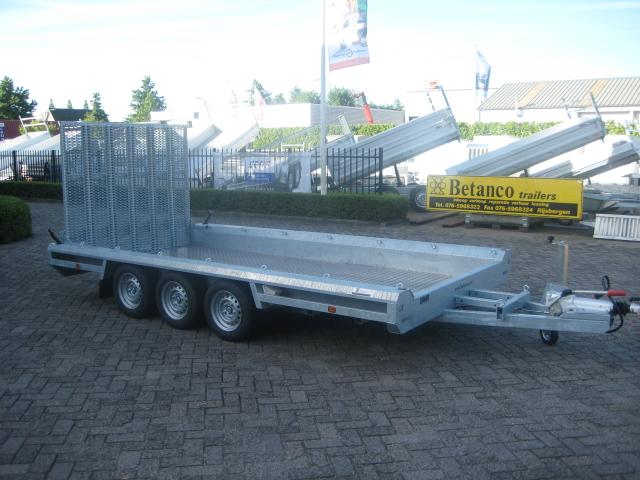 Hulco + verlengde oprijklep - Terrax 3 Machinetransporter 3 assig