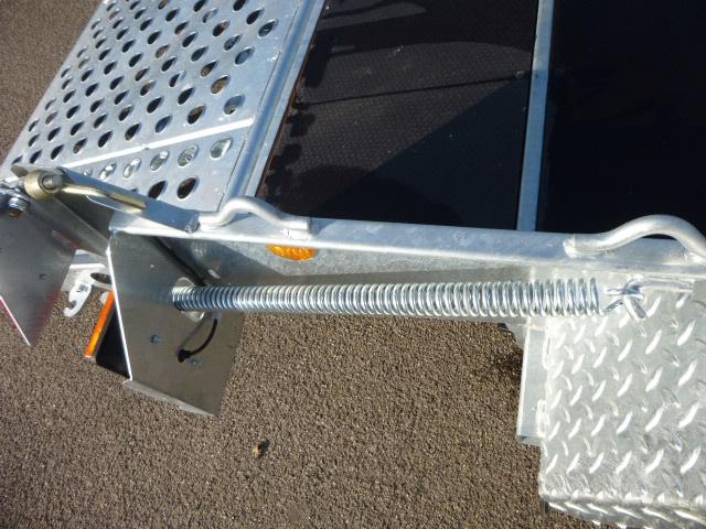 Ifor-Williams  - GH 1054-BT transporter met afgeschuinde achterkant
